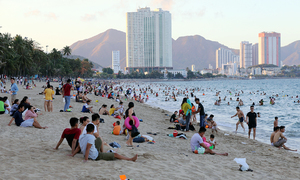 Masks a must, crowds a no no as Vietnam's famous beaches reopen
