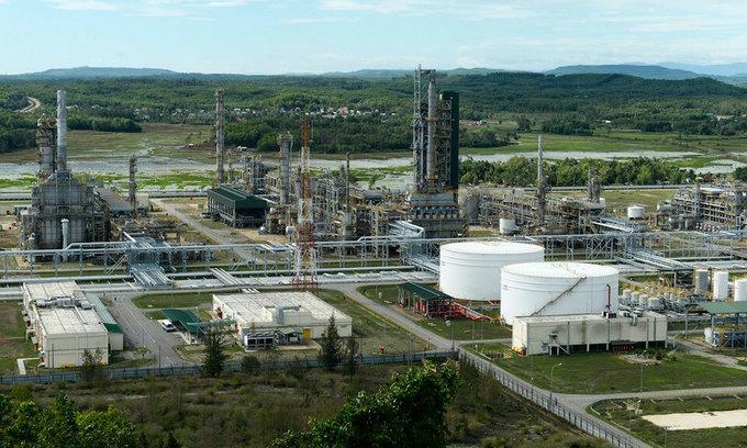 Fuel giants report big losses