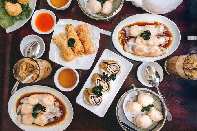 A variety of dimsum at Tien Phat, Photo by jitshiong.