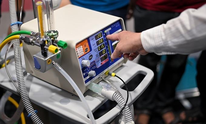 Trump offers Vietnam ventilators to aid Covid-19 fight
