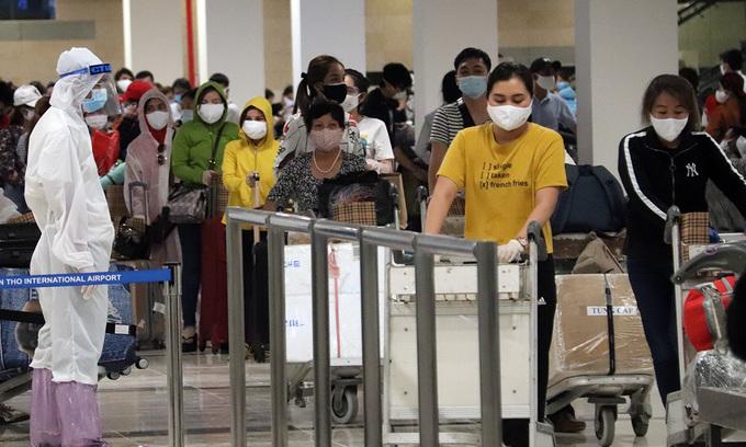 17 repatriated Vietnamese test Covid-19 positive