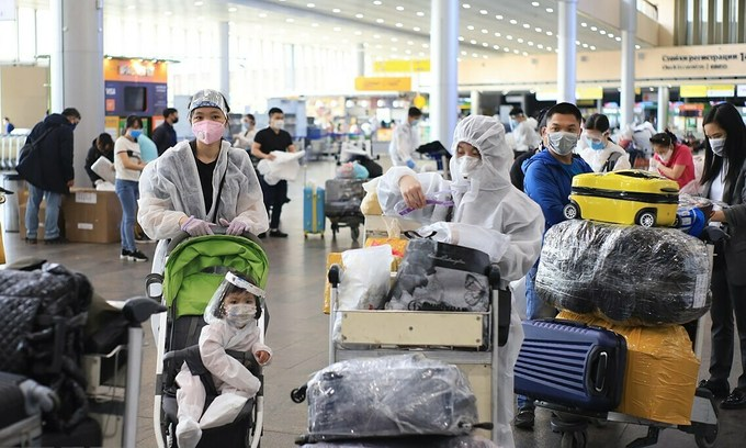 Vietnam flies home 345 people from Russia
