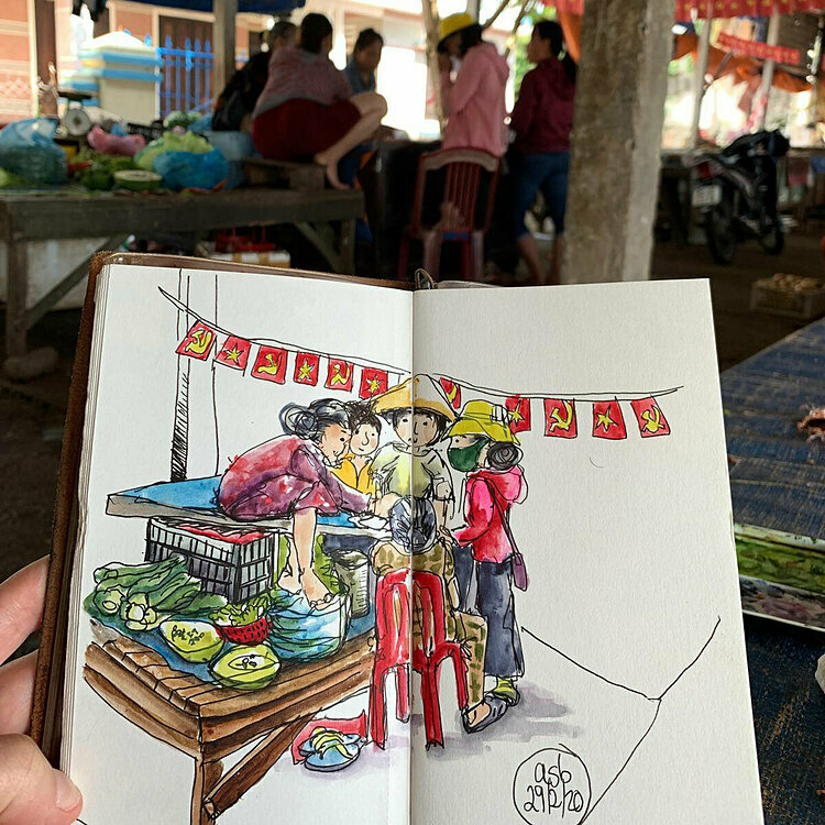 The idea came to her during her first trip to Hoi An with her 3-year-old son. When she was exploring the wet-market, she had the urge to pull out a notebook and began drawing. She later showed her comic and wowed local food sellers with her artworks.