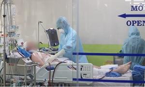 Comatose British Covid-19 patient given antibiotic combination