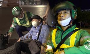 Hanoian chucks regular job to help accident victims