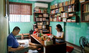 Saigon bookseller fuels thirst for books