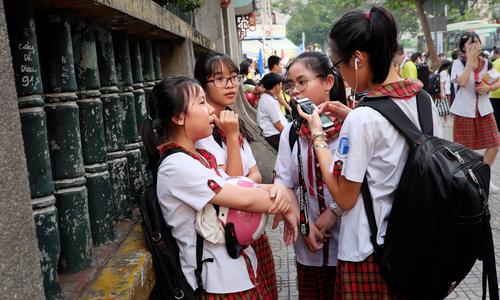 Vietnam's Gen Z stuck on Facebook despite app deluge