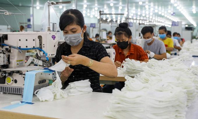 Vietnam ships 30 million masks to North America