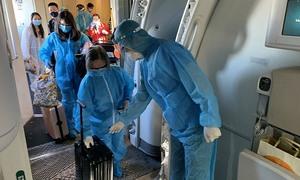 347 Vietnamese fly home on third US repatriation flight