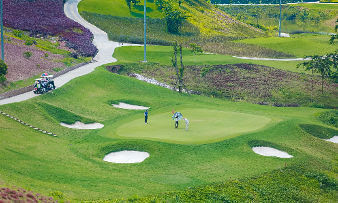 Government okays three more golf courses in northern Vietnam