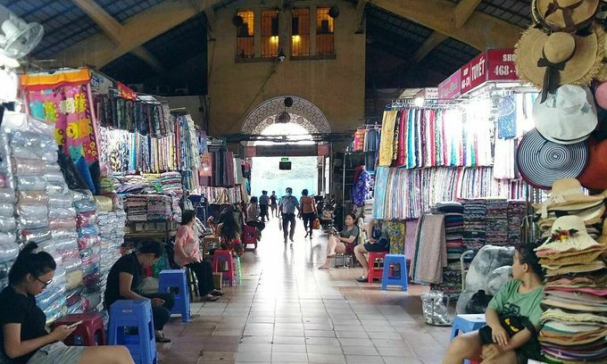 Without foreign tourists, Ben Thanh Market vendors struggle to survive