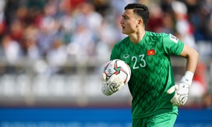 Vietnam goalkeepers compete for spot at AFF Cup 2020