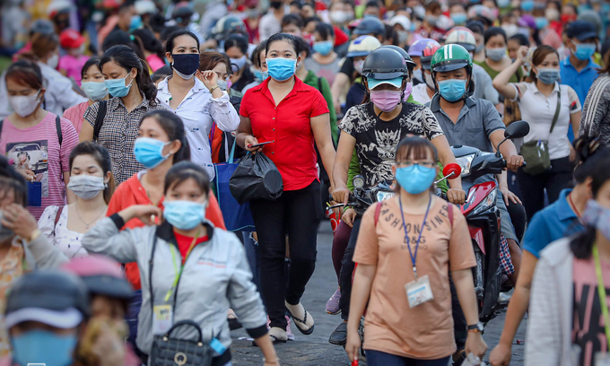 Saigon's largest employer lays off 2,786 workers