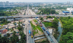 HCMC traffic projects get tardy as government ups revenue intake