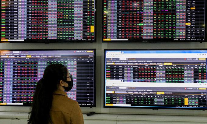 VN-Index ends three-session gaining streak