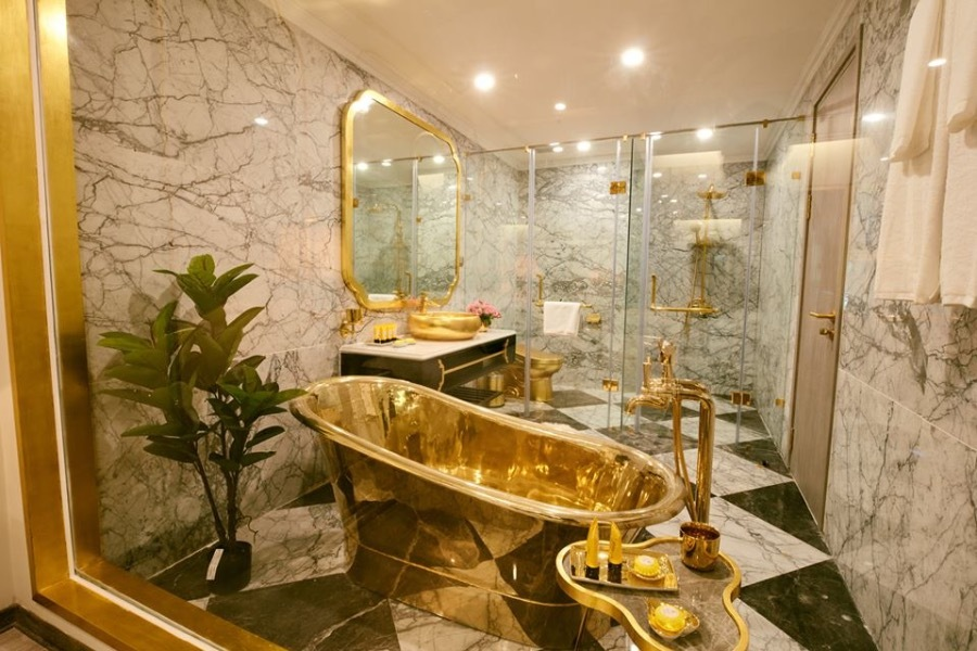 Gold-plated bathtub and accessories.