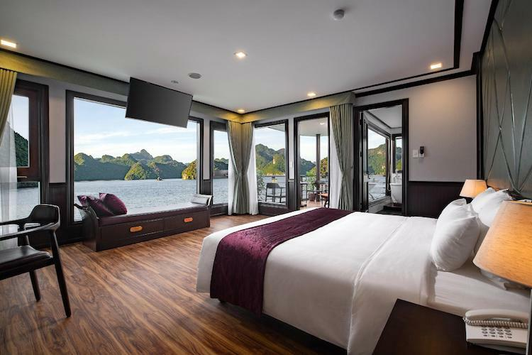 Peony Cruise's luxury cabin
