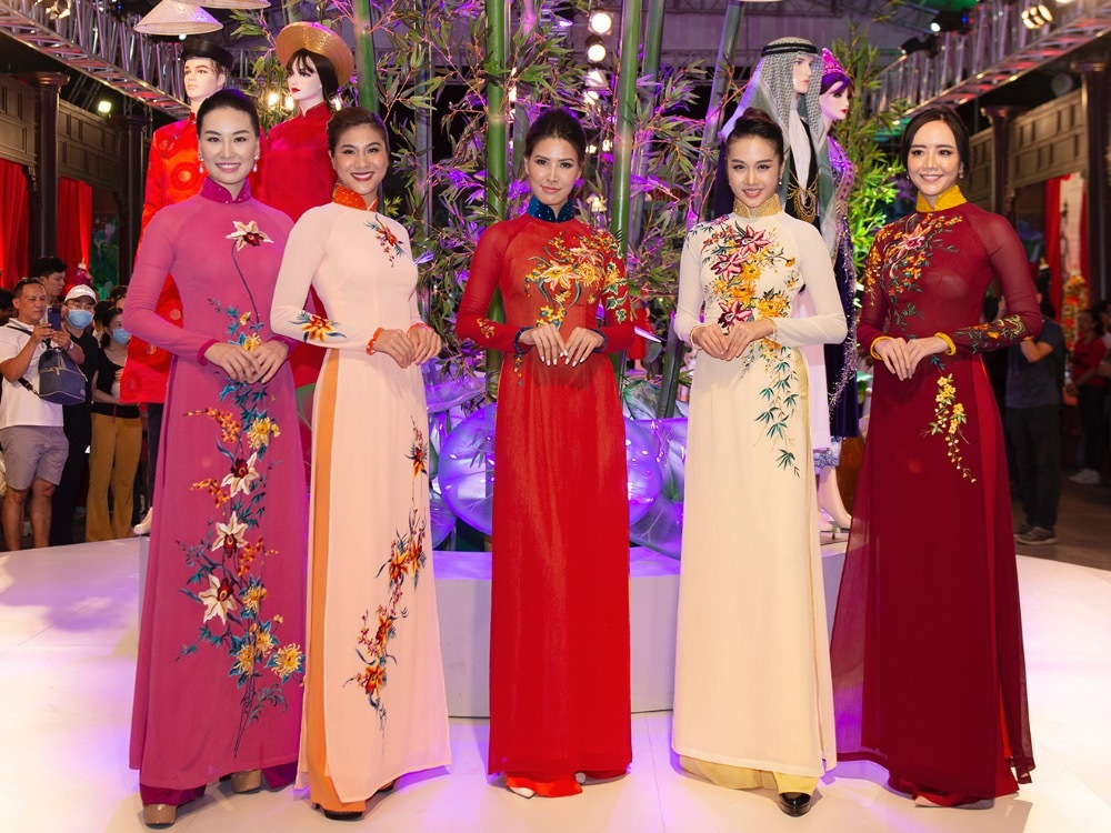 Ao dai designed by Vietnamese designer Thuan Viet were introduced in a fashion show on June 27, 2020.