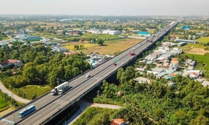 Vietnamese firm eyes $1 billion elevated road project in HCMC