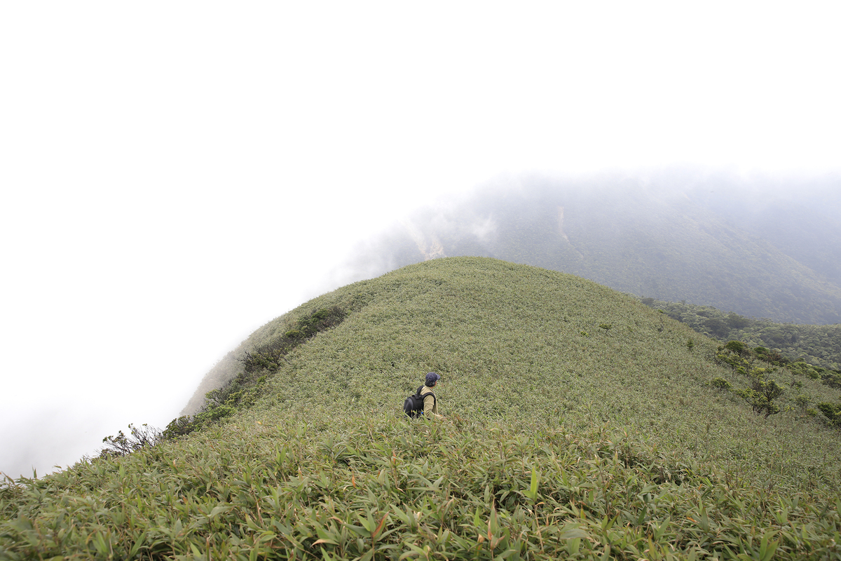 Quang Tri province summit offers breathtaking view of the horizon