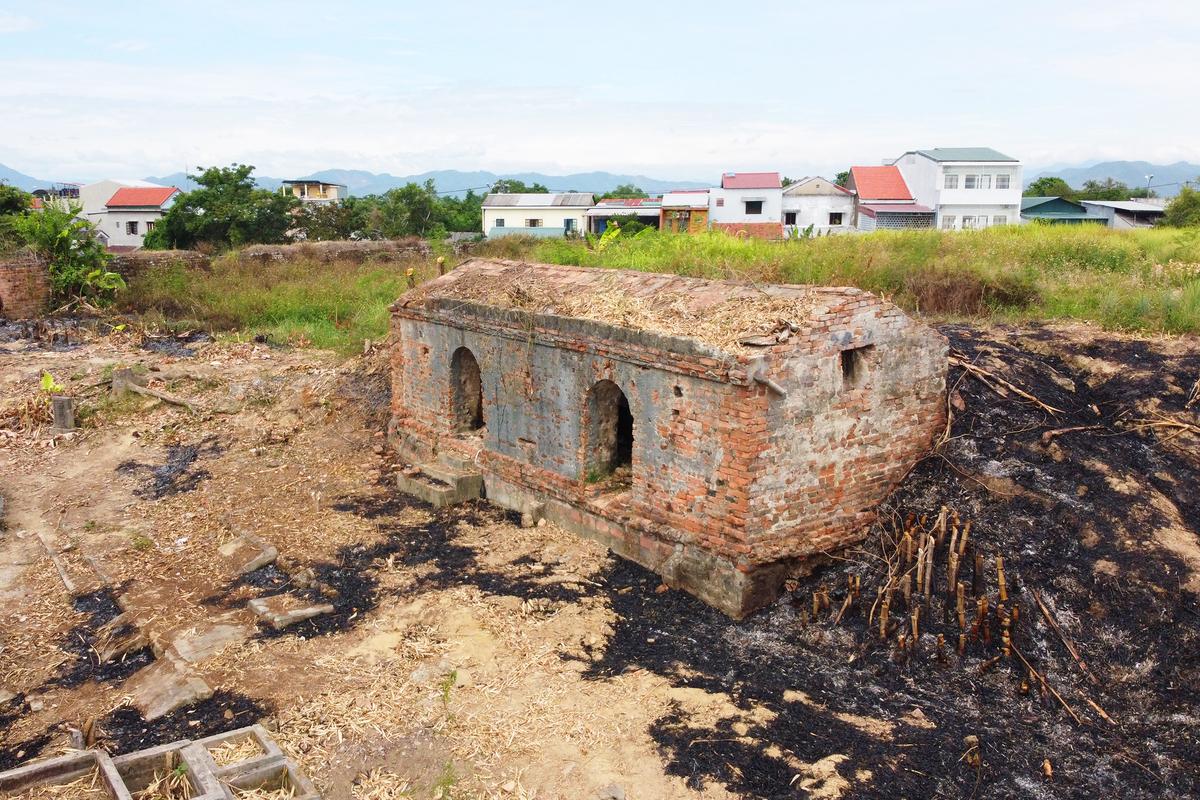 Nguyen Dynasty relics emerge as Hue Citadel area depopulated