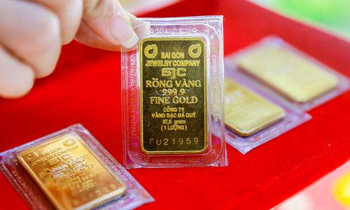 Vietnam gold prices climb to new peak