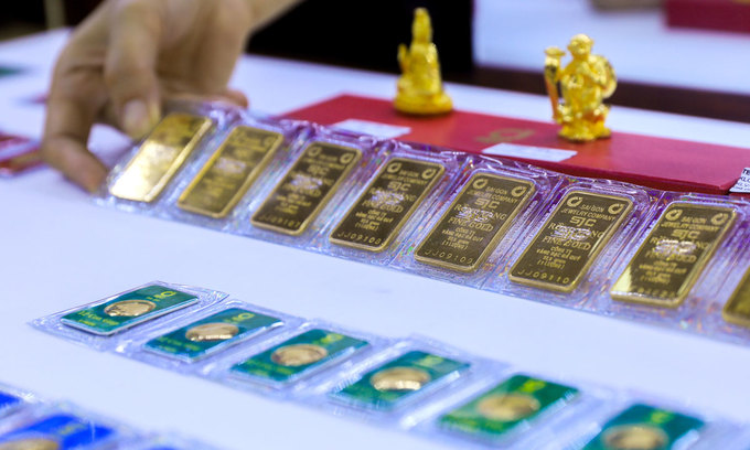 Gold climbs to new peak in Vietnam