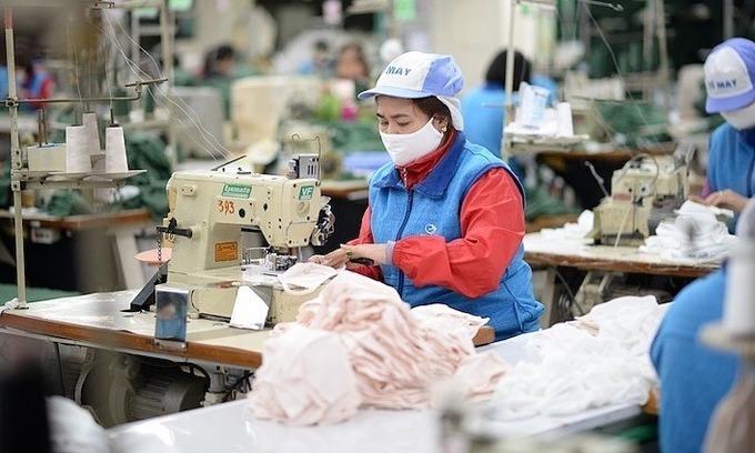 Economists peg Vietnam 2020 GDP growth at 3-4 pct