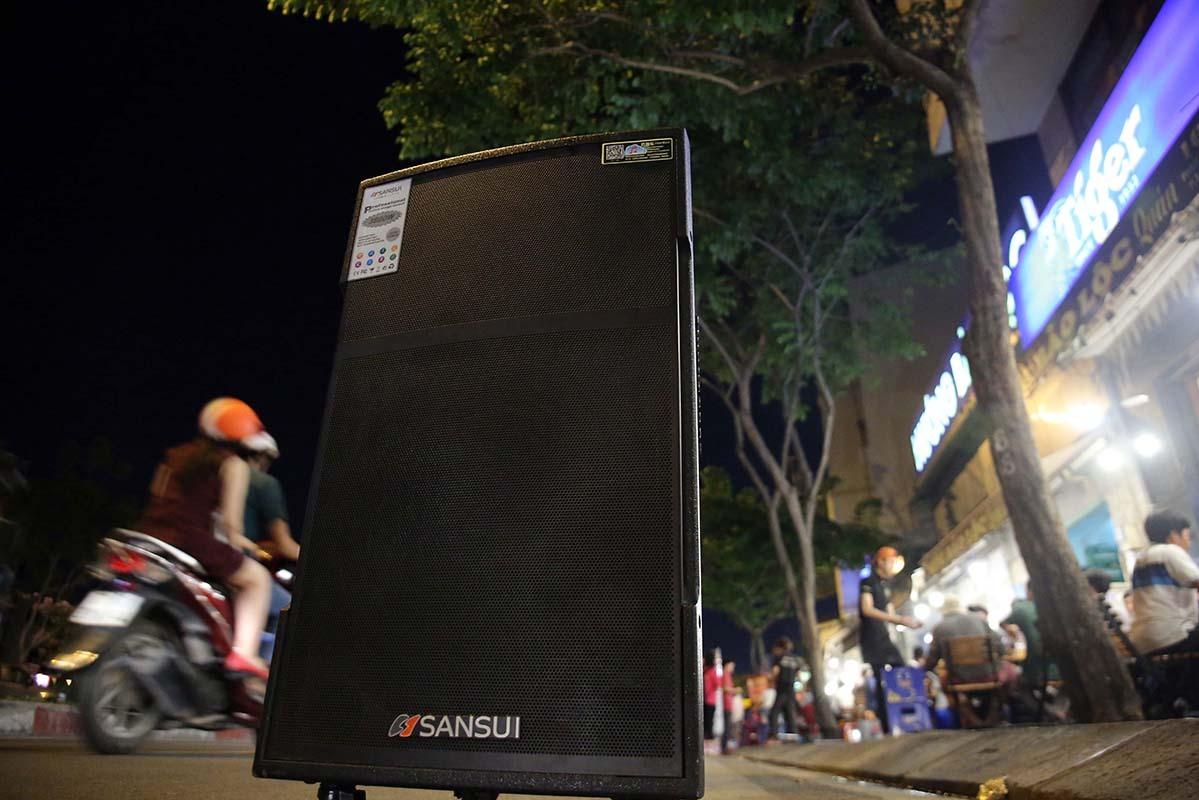 A street karaoke loudspeaker on Saigon's Pham Van Dong Street. Photo by VnExpress/Ngoc Bich.