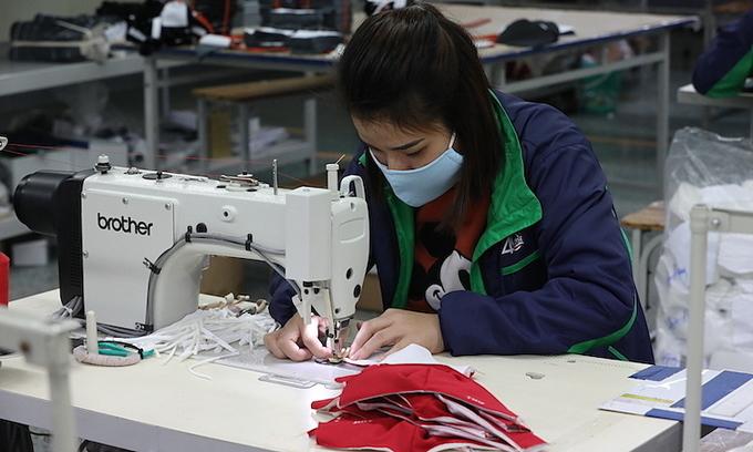 Plummeting exports threaten textile job cuts