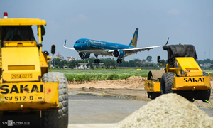 Hanoi airport taxies towards upgraded runways