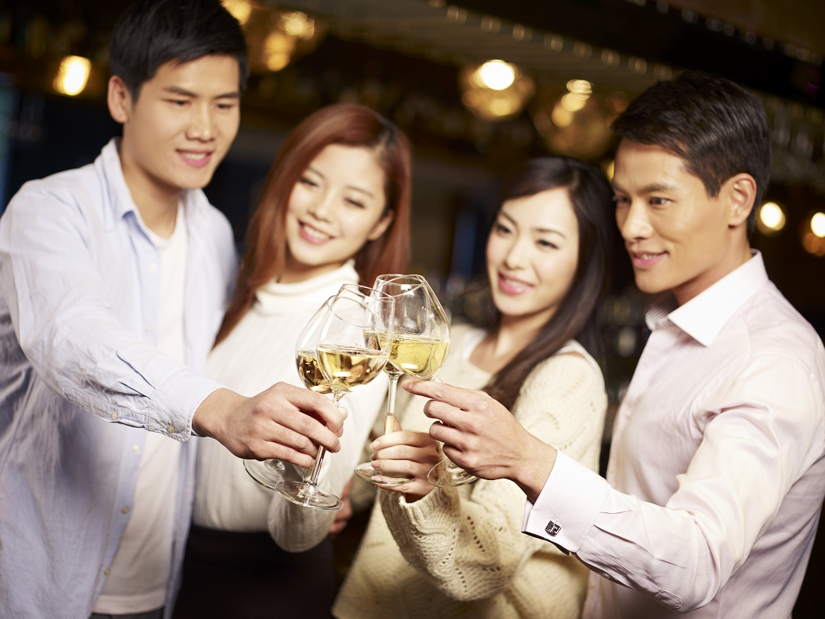 Residents can also welcome guests at Cigar Lounge and enjoy a wine tasting with friends at Wine Cellar.
