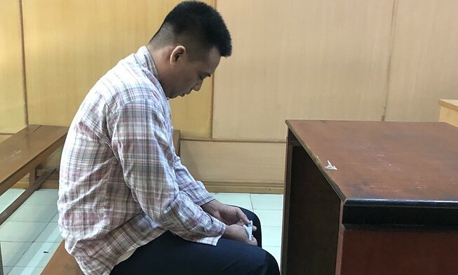 Man jailed for snatching phone from Chinese tourist