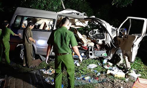 Eight killed in central Vietnam bus-truck collision