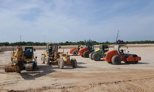 Safety, pollution concerns halt terminal construction at central Vietnam airport
