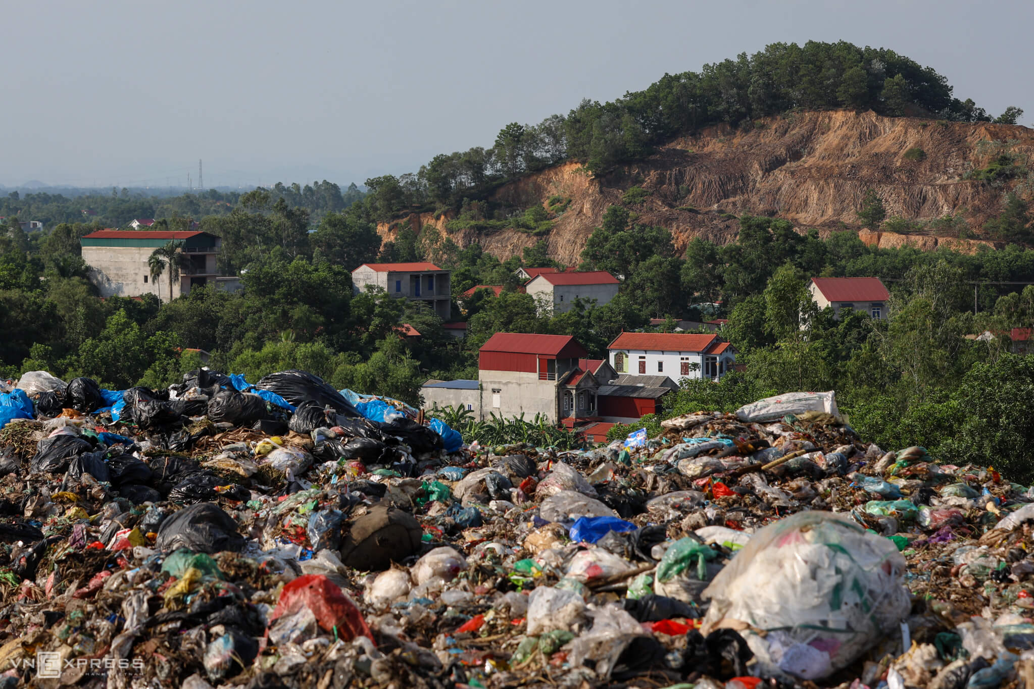 Hanoi's biggest landfill is running out of space