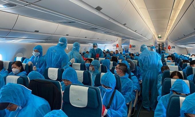 277 Vietnamese return home from Cuba, Germany