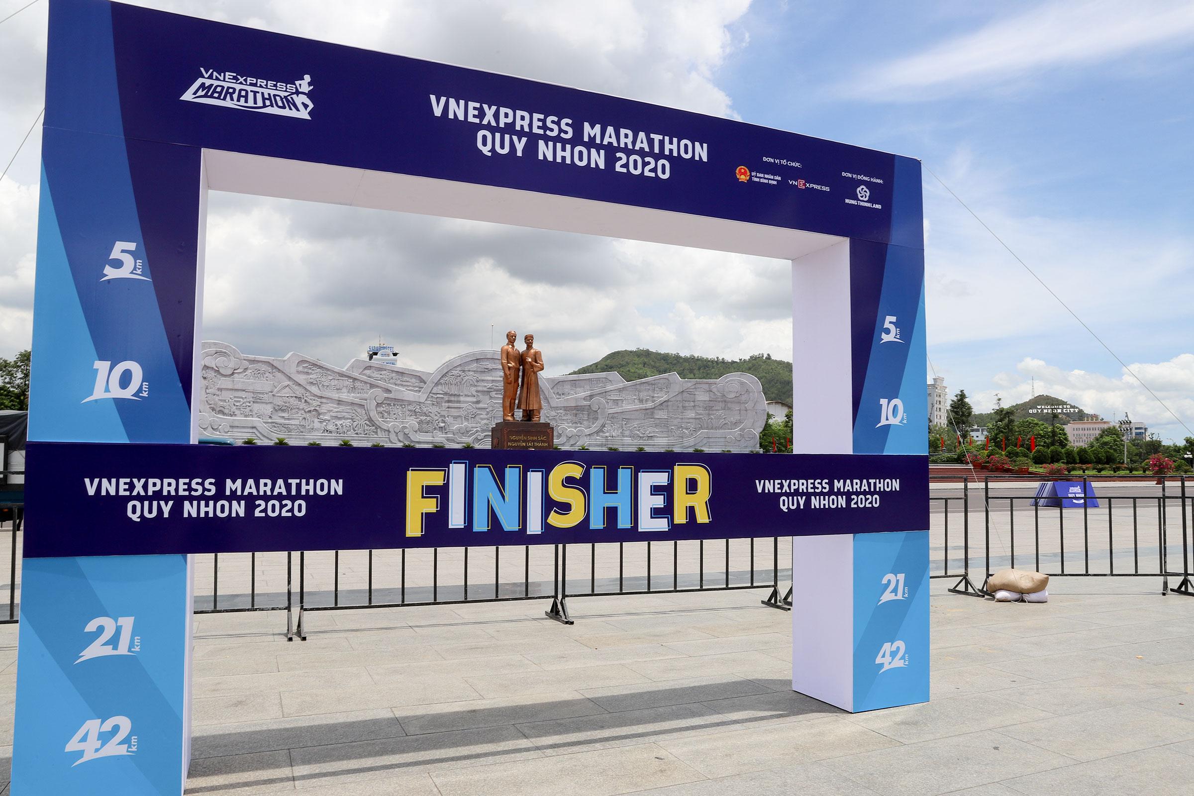 Beach hub gets make-over ahead of VnExpress Marathon