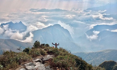 Climbing Vietnam's fourth highest mountain peak, Bach Moc Luong Tu