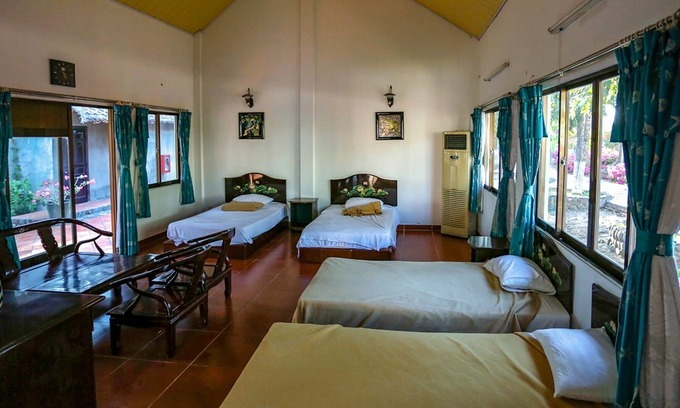 Vietnam designates 207 hotels as paid quarantine facilities