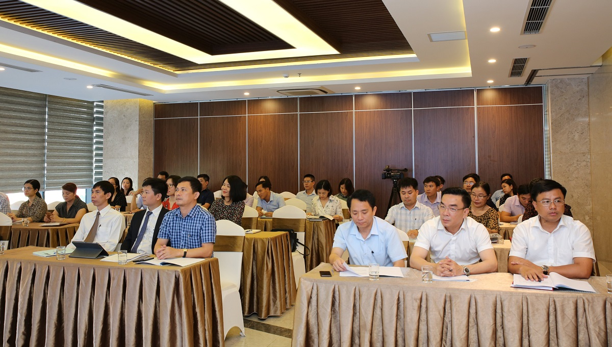 The workshop is attended by representatives from the Ha Tinh Department of Health, Ha Tinh Center for Disease Control and Prevention, district health centers.