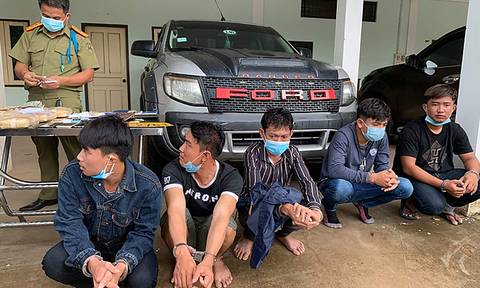 Five Laotians caught smuggling 60,000 ecstasy pills into Vietnam