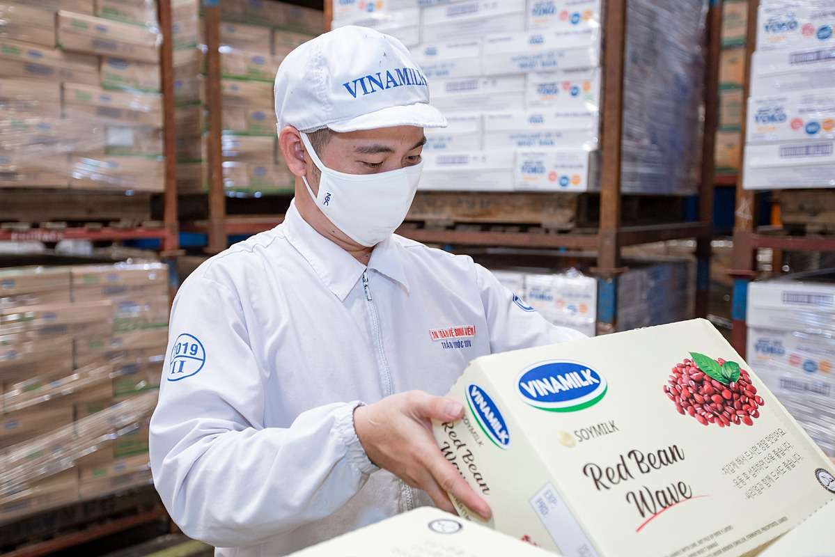 Vinamilk constantly expands export markets. Lately, the batch of high-grade grain milk has been exported to the Korean market.