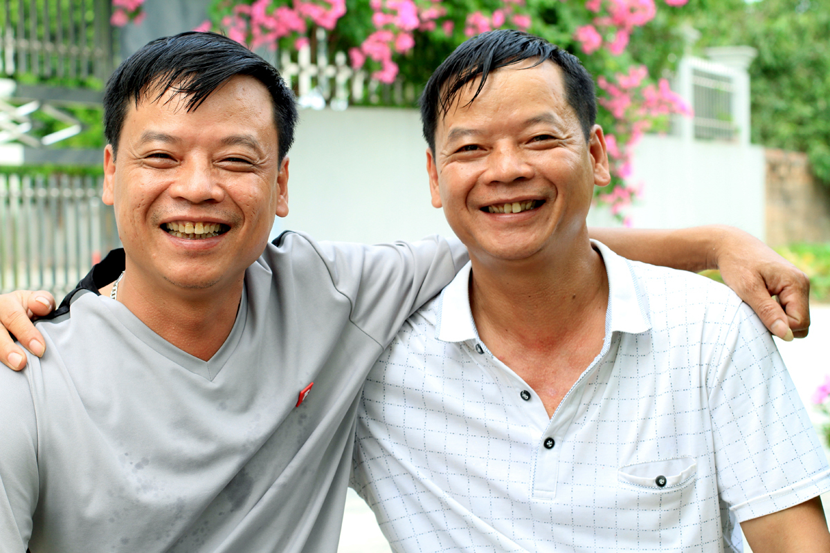 Thanh (L) and Canh. Photo by VnExpress/Phan Duong.