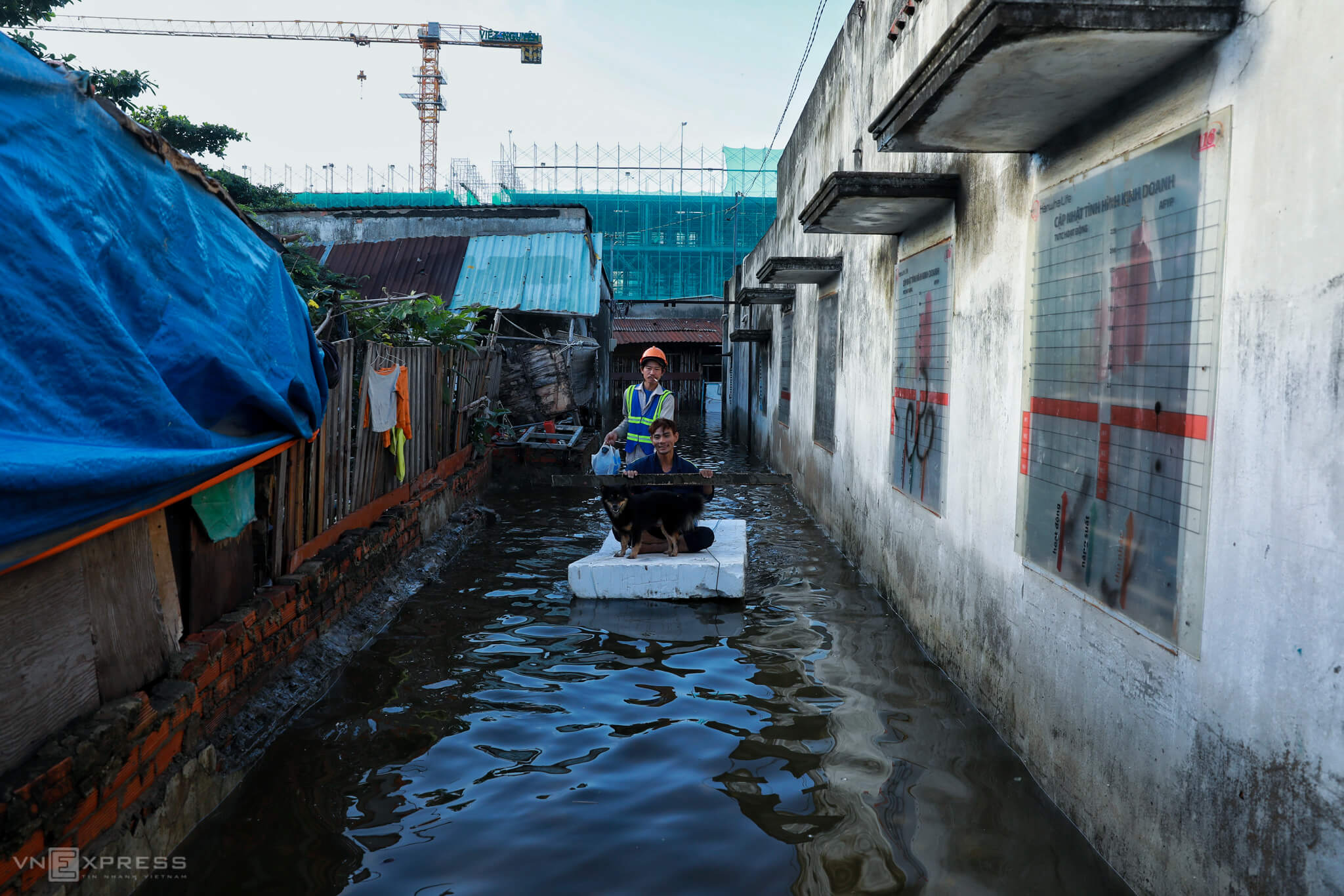 Saigon neighborhood still afloat days after heavy rains