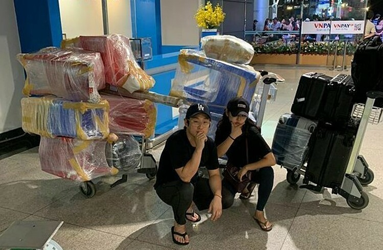 Nam Joon-young (left) brings tables, chairs, dishes...from Ho Chi Minh to Seoul. Photo courtesy of Nam Joon-young.