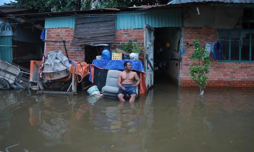 Saigon neighborhood still afloat days after heavy rains
