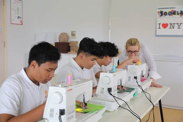 Renaissance provides all supplements so that the teachers and students can entirely develop their creativity.