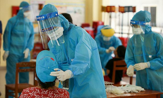 600 stranded in Da Nang bound for HCMC after testing negative