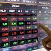 VN-Index slumps, ending recovery streak